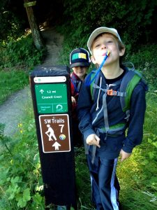 4t trail sign